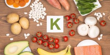 La vitamine K : favorise la coagulation